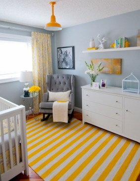 Comfy grey yellow bedrooms decorating ideas (27)