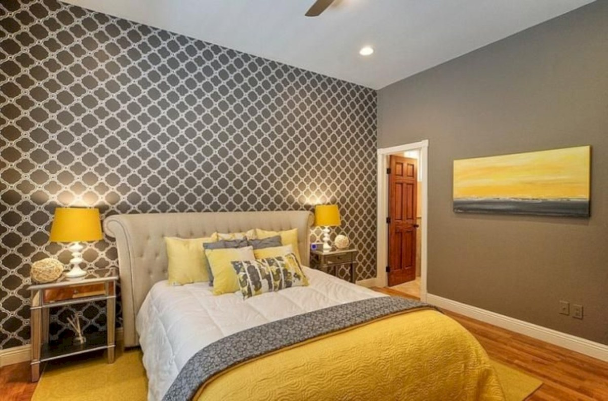 Comfy grey yellow bedrooms decorating ideas (32)