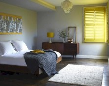 Comfy grey yellow bedrooms decorating ideas (9)