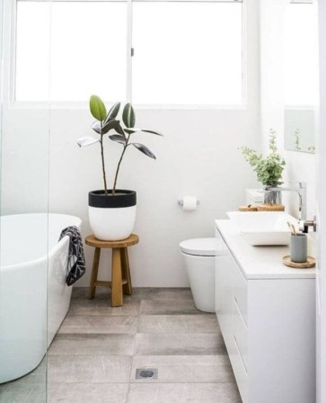 Cozy small scandinavian bathroom design ideas (39)