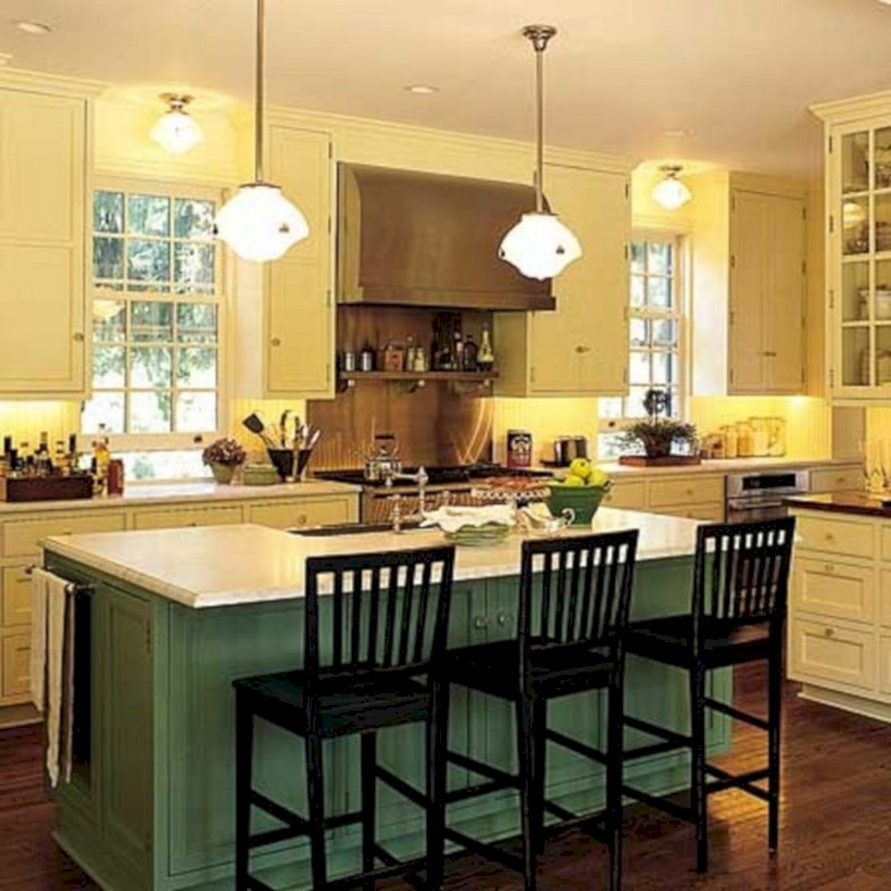 Fascinating kitchen islands ideas with seating and dining areas (10)