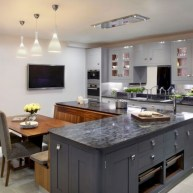 Fascinating kitchen islands ideas with seating and dining areas (32)