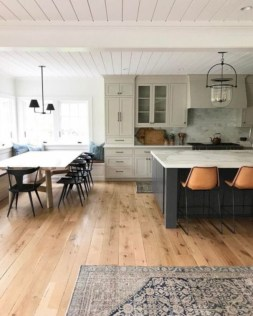 Fascinating kitchen islands ideas with seating and dining areas (40)