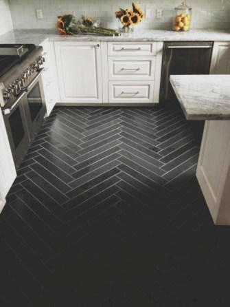 Gorgeous kitchen floor tiles design ideas (40)