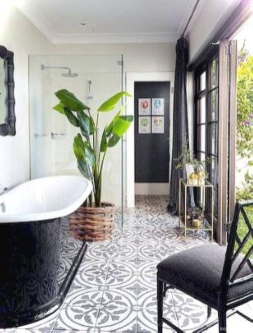 Luxury black and white bathroom design ideas 38
