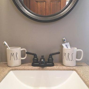 Modern farmhouse bathroom decor ideas (18)