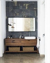 Simple and cozy farmhouse wooden bathroom inspirations ideas 18