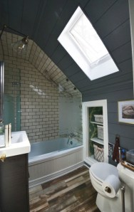 Stunning attic bathroom makeover ideas on a budget 07