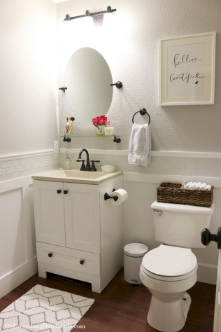 Stunning attic bathroom makeover ideas on a budget 39