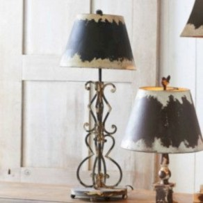 Vintage victorian lamp shades ideas for your bedroom (7)