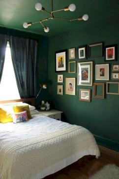 Wonderful green bedroom design decor ideas (26)