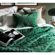 Wonderful green bedroom design decor ideas (32)