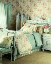 Wonderful green bedroom design decor ideas (38)