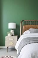 Wonderful green bedroom design decor ideas (5)