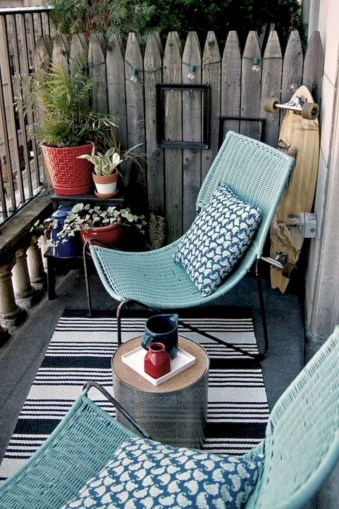 Cozy small balcony design decoration ideas 02