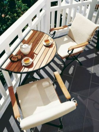Cozy small balcony design decoration ideas 17