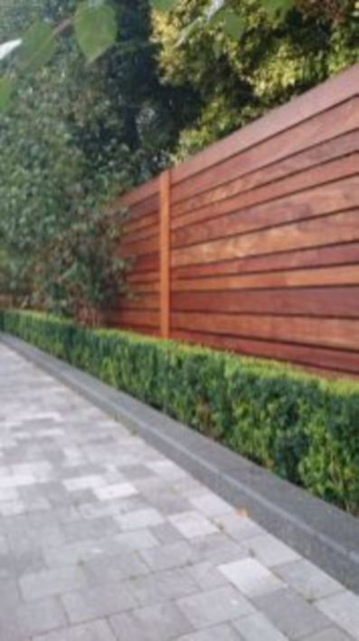 Easy and cheap backyard privacy fence design ideas 16