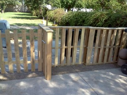 Easy and cheap backyard privacy fence design ideas 21