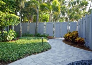 Easy and cheap backyard privacy fence design ideas 31