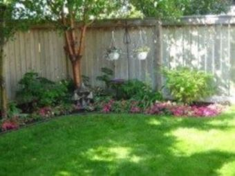 Easy and cheap backyard privacy fence design ideas 44