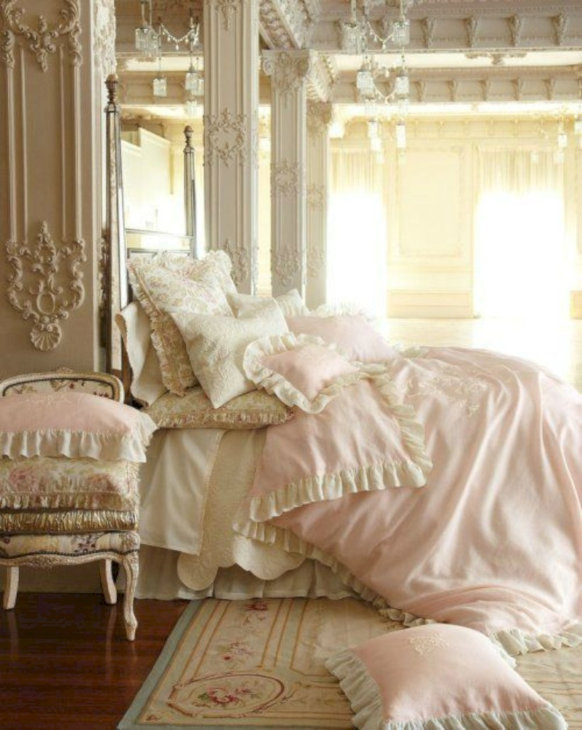 Romantic shabby chic bedroom decorating ideas 07