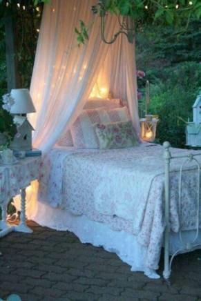 Romantic shabby chic bedroom decorating ideas 15