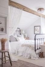 Romantic shabby chic bedroom decorating ideas 29