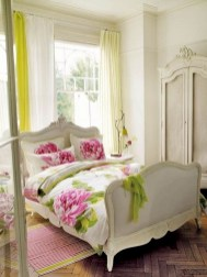 Romantic shabby chic bedroom decorating ideas 37