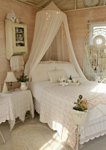 Romantic shabby chic bedroom decorating ideas 38