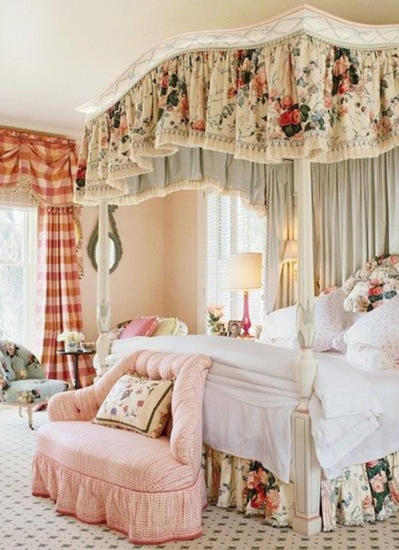 Romantic shabby chic bedroom decorating ideas 39