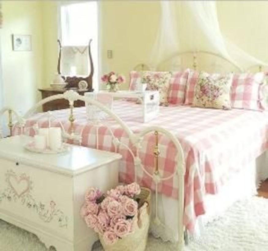 Romantic shabby chic bedroom decorating ideas 42