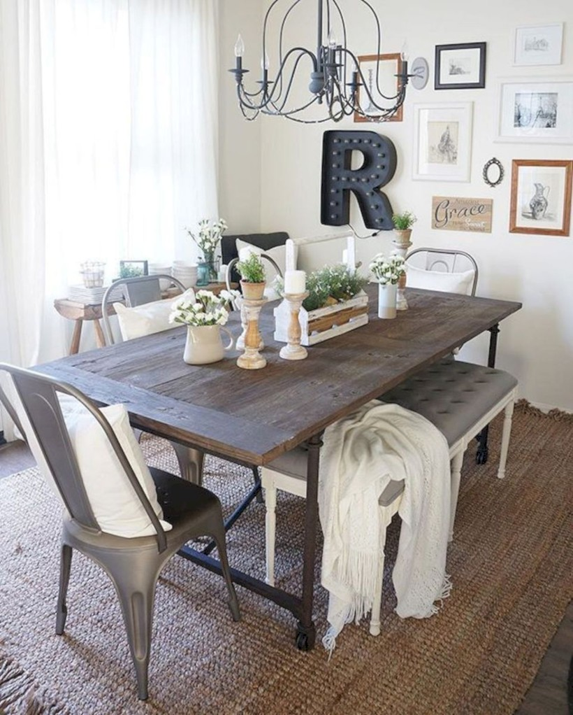 Rustic Farmhouse Dining Room Table Decor Ideas 21
