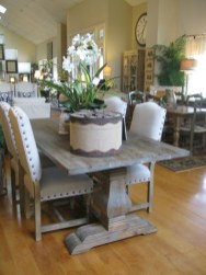 Rustic farmhouse dining room table decor ideas 24