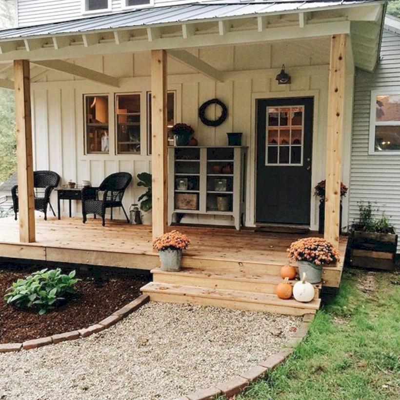 Rustic farmhouse porch steps decor ideas 25