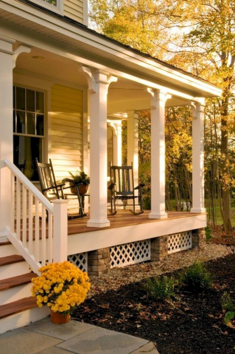 Rustic farmhouse porch steps decor ideas 27