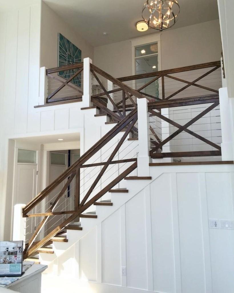 Rustic farmhouse porch steps decor ideas 41
