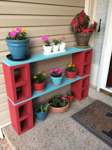 Adorable easy cinder block ideas for garden (15)