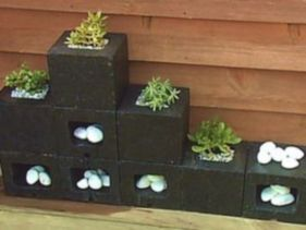Adorable easy cinder block ideas for garden (24)