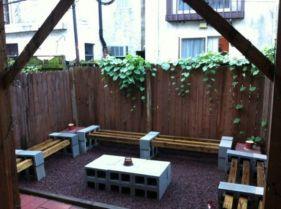 Adorable easy cinder block ideas for garden (33)