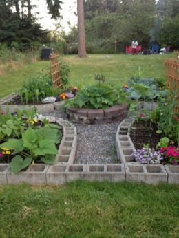 Adorable easy cinder block ideas for garden (48)