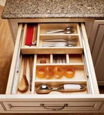 Affordable kitchen cabinet organization hack ideas (38)