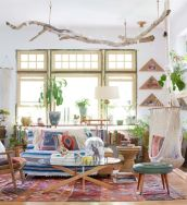 Amazing bohemian style living room decor ideas (22)