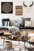 Amazing bohemian style living room decor ideas (31)