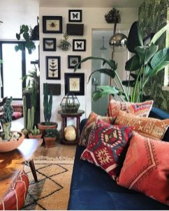 Amazing bohemian style living room decor ideas (5)
