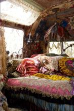 Awesome bohemian style home decor ideas (24)
