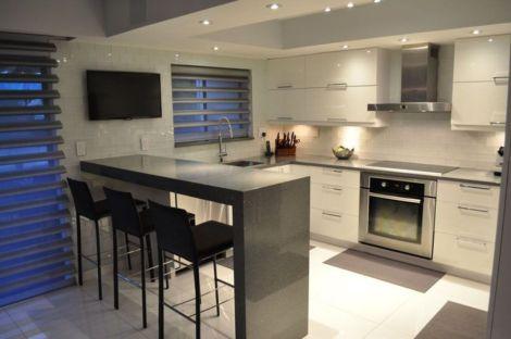 Brilliant small kitchen remodel ideas (16)