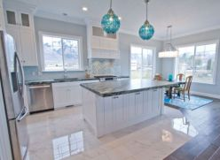 Cool coastal kitchen design ideas (7)