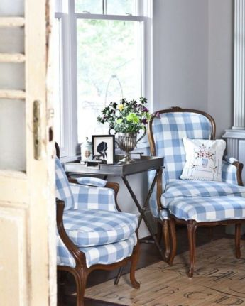Cozy vintage chair design ideas you can add for your home (12)