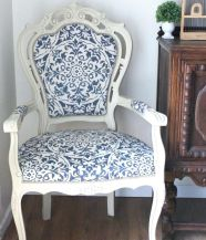 Cozy vintage chair design ideas you can add for your home (33)
