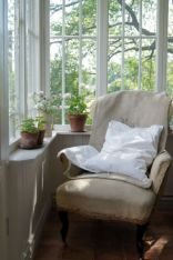 Cozy vintage chair design ideas you can add for your home (36)